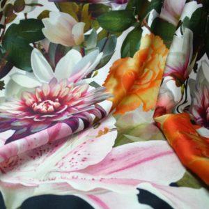 Tessuto Fantasia fiori floreale